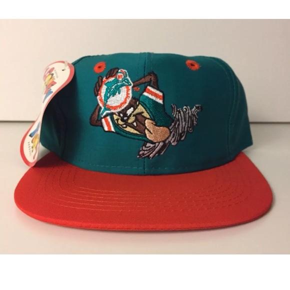 d330731013df6 Vtg 93 Warner Bros Taz Miami Dolphins Snapback NOS